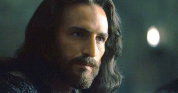 """Jim Caviezel as Jesus in """"The Passion of the Christ ..."""