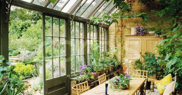 Sunroom / greenhouse style / garden room / Dining area