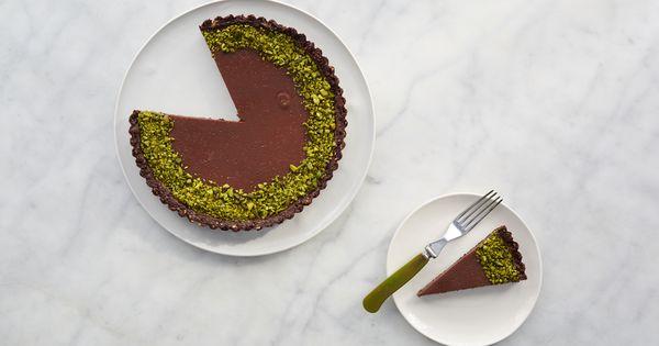 Martha Stewart demonstrate how to make a milk-chocolate pistachio tart ...