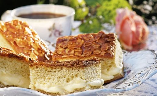 Bee sting, Coffee cake and Bees on Pinterest