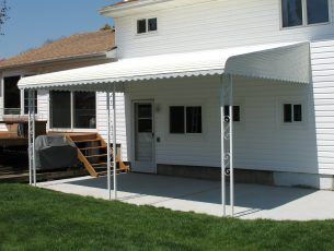 Making Choice Of The Best Patio Awning Decorifusta In 2020 Aluminum Patio Awnings Enclosed Patio Aluminum Awnings