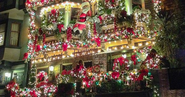 Christmas Decorated House San Francisco : That one castro st house san francisco decorating and