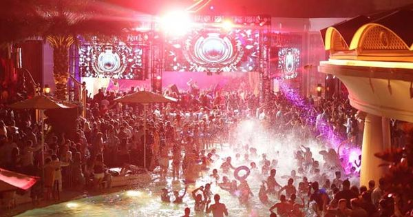 Best vegas pools las vegas and vegas pool parties on pinterest