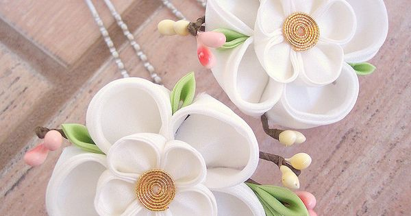 5 petal white kanzashi flowers on hair prongs - with cute leaves