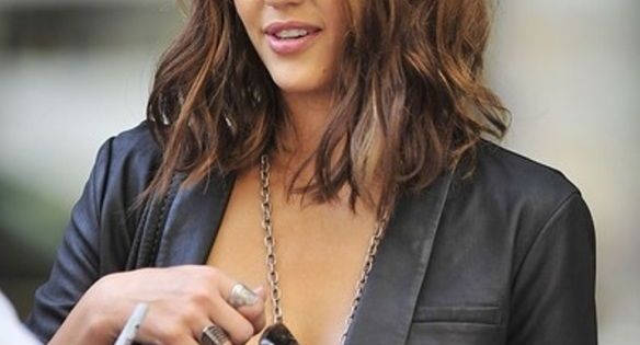 The Best Shoulder Length Hair Cut Ideas - Hair World Magazine