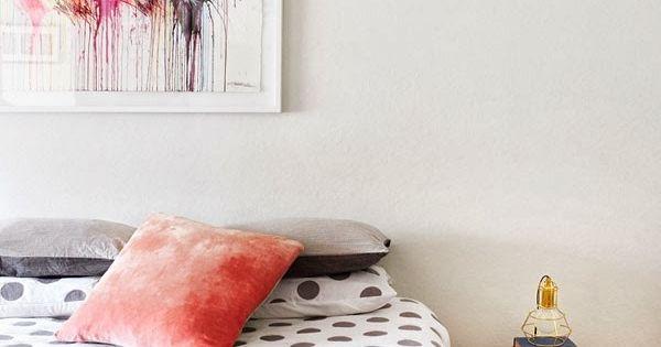 Schlafzimmer mit Farbe gestalten Raumdesign Ideen abstrakte Kunst ...