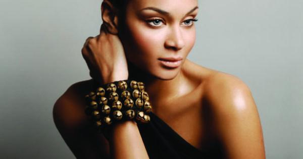 Stella jean haitian italian model designer beauty of haiti gorgeous haitian women - Mobeldesigner italien ...