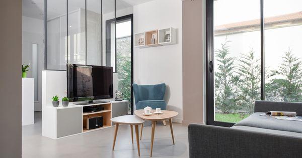 Un salon au style scandinave et contemporain lumineux for Style contemporain scandinave