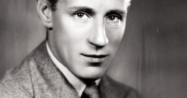Leslie howard plane crash