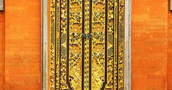 Gold door - Kuta Selatan Bali, ID
