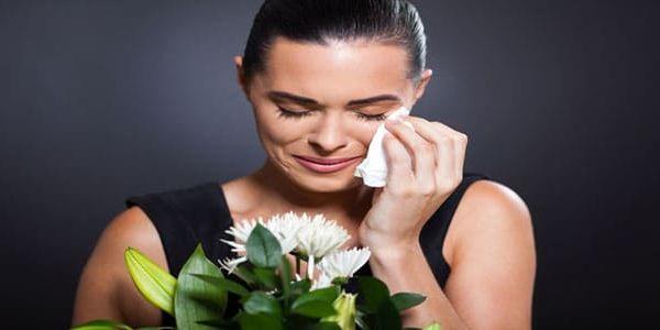معنى رؤية الموت للحي والبكاء عليه في المنام للمرأة البكاء على الحي الموت الموت في الحلم الموت في المنام Cremation Beliefnet Bible