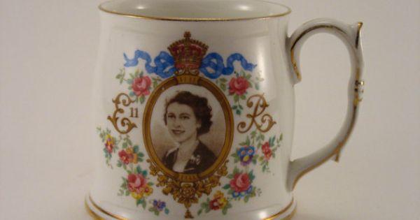 coronation cup mug queen elizabeth ii june 2nd 1953 roslyn. Black Bedroom Furniture Sets. Home Design Ideas