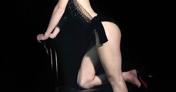 burlesque keira knight... Keira Knightley