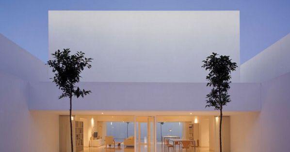Minimalist architecture casa guerrero by alberto campo - Casa guerrero campo baeza ...