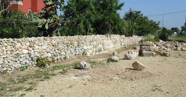 Muro costruito a poggiardo lecce muretti a secco for Giardino unisalento