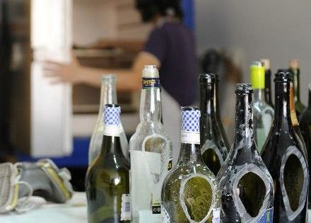 44 Simple DIY Wine Bottles Crafts And Ideas On How To Cut