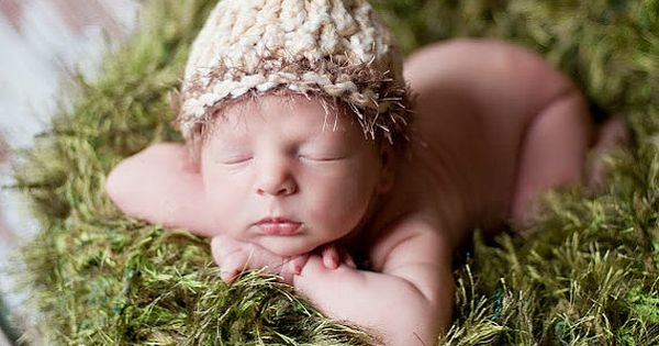 Blades of 'Grass' Green Photo Prop Baby Photography Blanket. Infant Natural Look