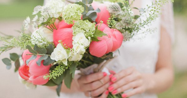 Coral, Ivory And Grey Themed Wedding With Bride In Eden By Jenny Packham - Image by Sarah Gawler