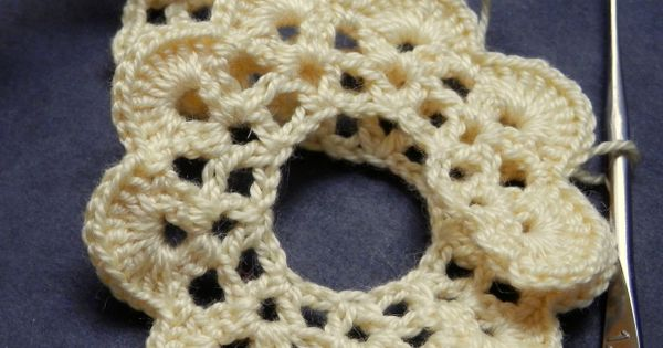 Crochet X And O Pattern : CROCHET ROSE - PATTERN The ojays, Crochet roses and Patterns