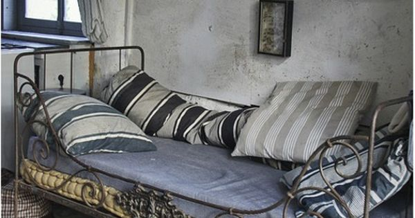 ... aime-Particulièrement  Pinterest  Day Bed, Daybeds and Brocante
