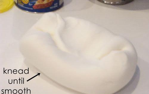 Homemade marshmallow fondant.