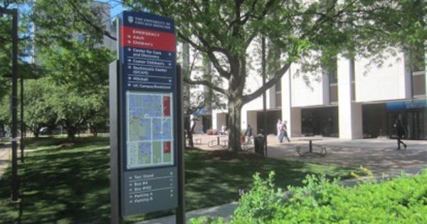 The University Of Chicago Medicine Pedestrian Directional Map Digital Signage The University Of Chicago Wayfinding