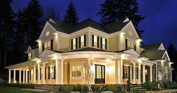 Traditional House Plan Front of Home 071D-0196 -- dream home, wrap around