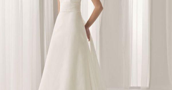 gorgeous wedding dress. Simple.