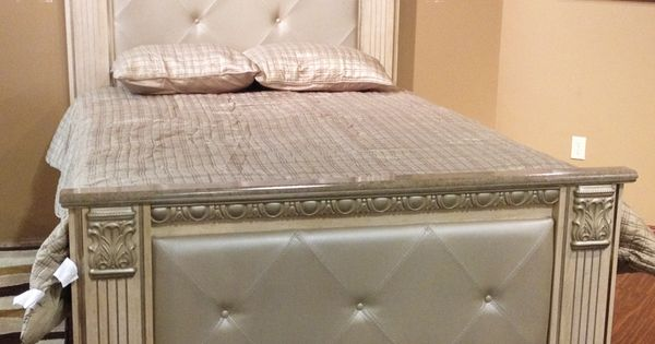 Silverglade Mansion Bed: The Replicated Light Opulent