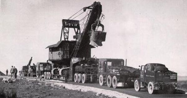 Old school heavy haul.....VERY cool