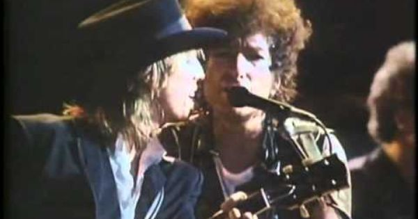 Bob Dylan And Tom Petty Knockin On Heaven S Door Music Clips Music Tv Music Do