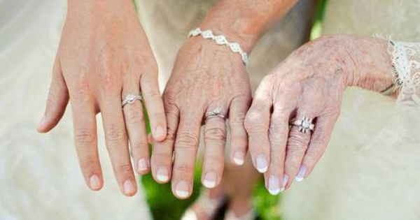 wedding idea photo of the different generations. How sweet!