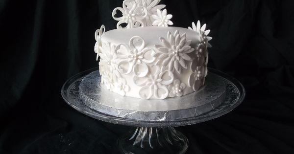 Gâteau pâte à sucre Fleurs  Maguys Cakes (Essonne)  Pinterest
