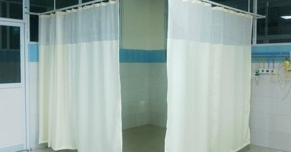 Cortinas Para Hospitales Instaladas Con Rieles Homologados