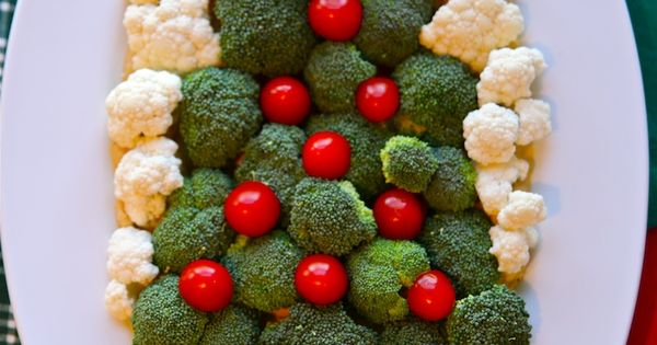 Untraditional Christmas Appetizer Recipes | Such a cute idea for a Christmas