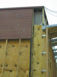 L Isolation Thermique Par Exterieur Consiste A Envelopper Le Batiment D Un Manteau Isolant Dans Exi En 2020 Isolation Exterieure Maison Bardage Maison Maison Container