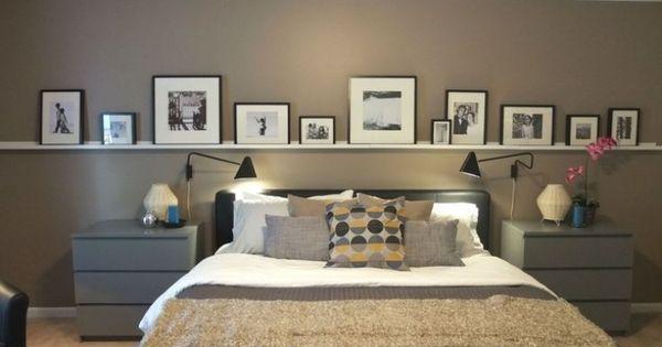 bilderleiste an der wand hinter dem bett im schlafzimmer ikea pinterest guest rooms. Black Bedroom Furniture Sets. Home Design Ideas