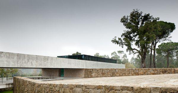 João Paulo Loureiro - The massive Monção house, 2013. Photos (C) Jose Campos ...