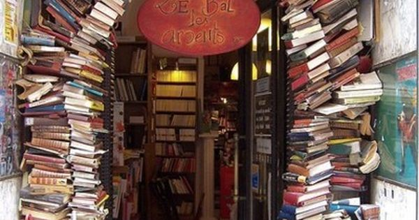 Heaven por moi! Bookstore, Lyon, France