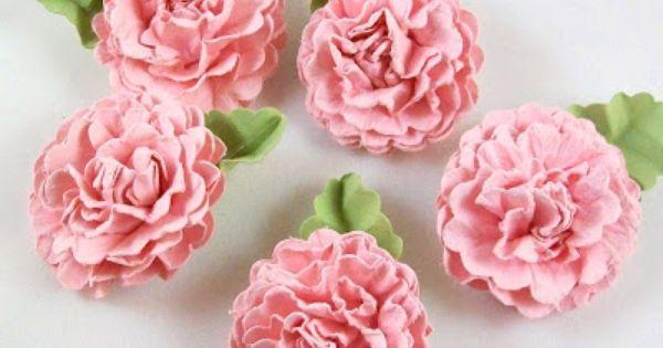 Our 12 favourite free handmade flower craft tutorials