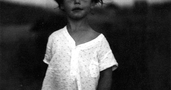 Diane Arbus: Child in a Nightgown (Shelter Island, New York), 1957.