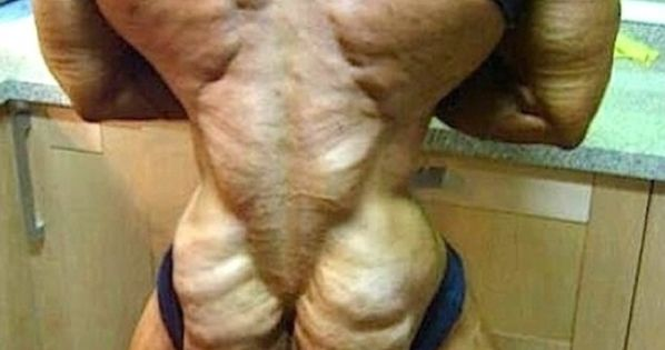 When bodybuilding goes too far! The muscles on his body