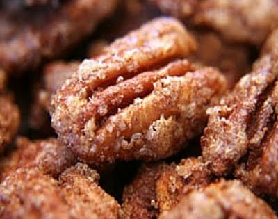 Cinnamon Sugared Pecans - great holiday gift in a mason jar