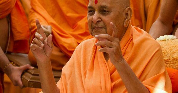 my guru pramukh swami Prime minister narendra modi with swaminarayan sect's spiritual  (pramukh  swami) taught me things that even my political guru did not.