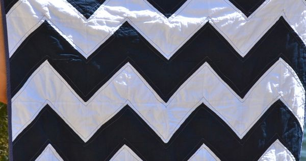 Navy white chevron quilt ---- I want to make this