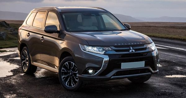The Exterior Design Of The 2020 Mitsubishi Outlander Phev Is Good Looking This Model Will Get Small Modifi Outlander Phev Mitsubishi Outlander Mitsubishi Cars
