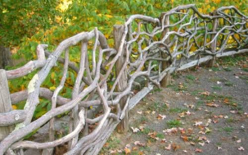 Fence Made From Branches With Images Wattle Fence Garden Fencing