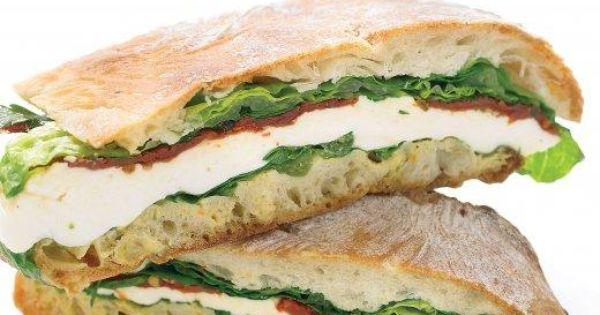 Pressed Mozzarella and Tomato Sandwich | Receta | Sándwich de tomate ...