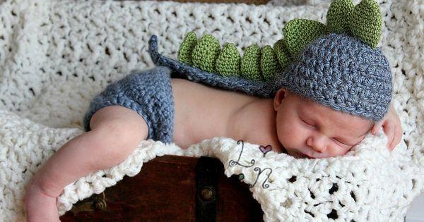 Newborn Dinosaur Knit Hat.