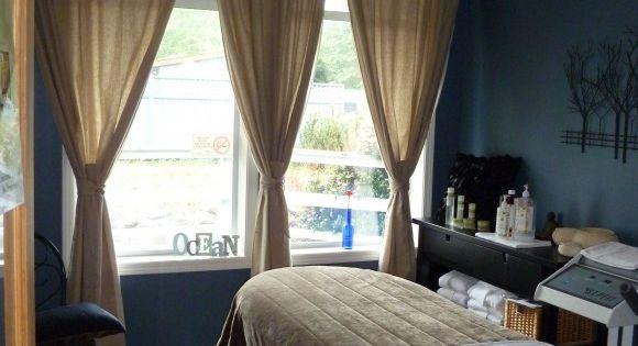Cute curtain idea i think i wanna do this in my living for Cute curtain ideas for living room